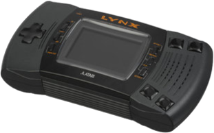 https://static.tvtropes.org/pmwiki/pub/images/1200px_atari_lynx_ii_handheld_angled_transp.png