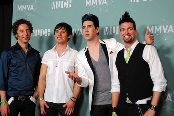 https://static.tvtropes.org/pmwiki/pub/images/2011_muchmusic_video_awards___marianas_trench.jpg