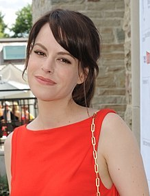 https://static.tvtropes.org/pmwiki/pub/images/220px_emily_hampshire_at_cfc_annual_bbq_2012_cropped2.jpg