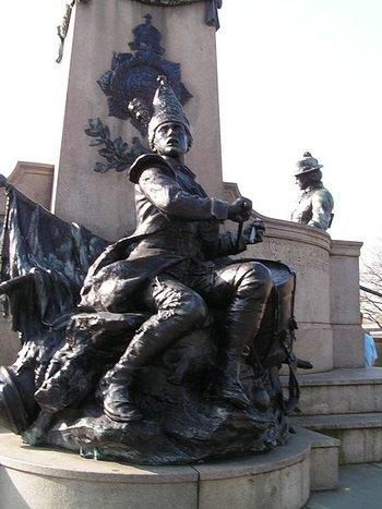 https://static.tvtropes.org/pmwiki/pub/images/450px_military_drummer_statue.jpg