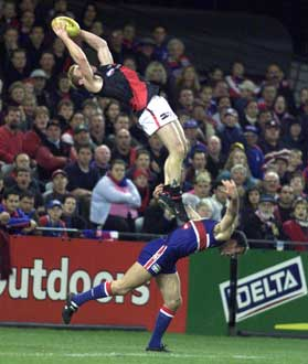 http://static.tvtropes.org/pmwiki/pub/images/AFL_Moorcroft_Screamer.jpg