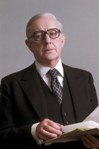 http://static.tvtropes.org/pmwiki/pub/images/Alec_Guinness_-_Smiley_4922.jpg