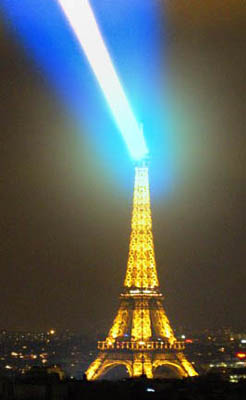 https://static.tvtropes.org/pmwiki/pub/images/Eiffel-Tower-superlaser.jpg