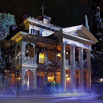 https://static.tvtropes.org/pmwiki/pub/images/Haunted_Mansion_4350.jpg
