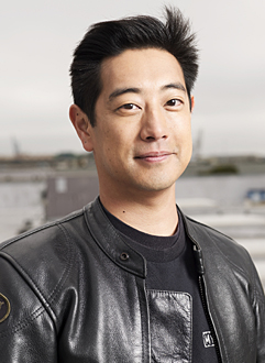 http://static.tvtropes.org/pmwiki/pub/images/Mythbusters_Grant_Imahara_2849.jpg