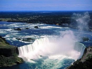 http://static.tvtropes.org/pmwiki/pub/images/Niagara_Falls_3141.jpg