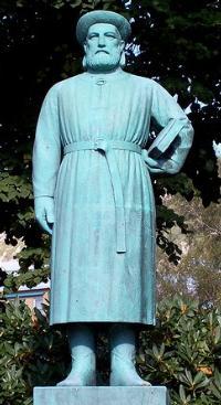 http://static.tvtropes.org/pmwiki/pub/images/SnorriSturluson_Statue_w200_2352.jpg