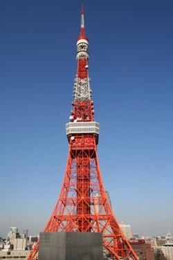 http://static.tvtropes.org/pmwiki/pub/images/Tokyo_Tower_6638.jpg
