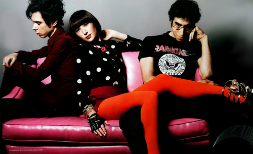 yeah yeah yeahs wallpaper. Lyric and Chord Guitar Yeah Yeah Yeahs - Little Shadow
