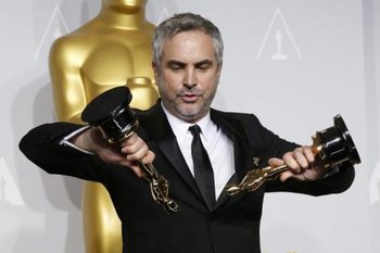 http://static.tvtropes.org/pmwiki/pub/images/alfonso_cuaron_oscar.jpg