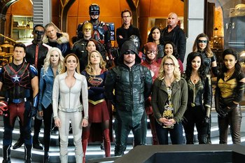 https://static.tvtropes.org/pmwiki/pub/images/arrowverse_characters.jpg