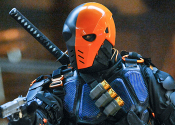 https://static.tvtropes.org/pmwiki/pub/images/arrowverse_deathstroke.png