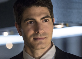 https://static.tvtropes.org/pmwiki/pub/images/arrowverse_ray_palmer.png