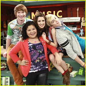 Are austin and ally hookup in freaky friends and fan fiction