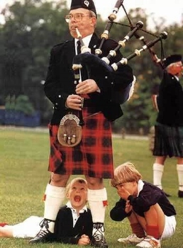 https://static.tvtropes.org/pmwiki/pub/images/bagpipes_258x350.jpg