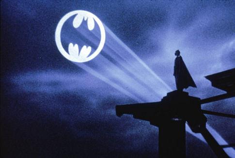 https://static.tvtropes.org/pmwiki/pub/images/bat-signal.jpg