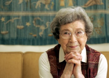 https://static.tvtropes.org/pmwiki/pub/images/beverly_cleary_2006.jpeg