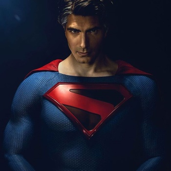 https://static.tvtropes.org/pmwiki/pub/images/brandon_routh_crisis_infinite_earths.jpg