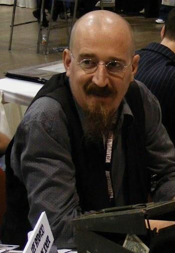 https://static.tvtropes.org/pmwiki/pub/images/brian_azzarello.jpg