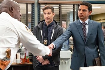 https://static.tvtropes.org/pmwiki/pub/images/brooklyn_nine_nine_the_honeypot.jpg