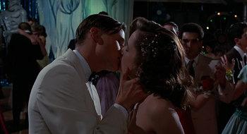 https://static.tvtropes.org/pmwiki/pub/images/bttf_kiss.jpg