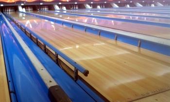 http://static.tvtropes.org/pmwiki/pub/images/bumper_bowling_1000.jpg