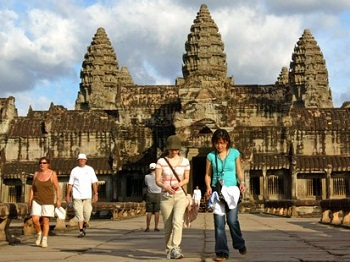 http://static.tvtropes.org/pmwiki/pub/images/cambodia-travelnews-tourism_1004.jpg