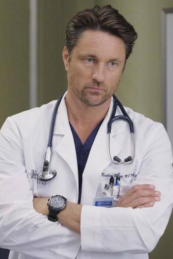 https://static.tvtropes.org/pmwiki/pub/images/cf1e8f55df67d475698aa35491c4a8f8_martin_omalley_meredith_grey.jpg