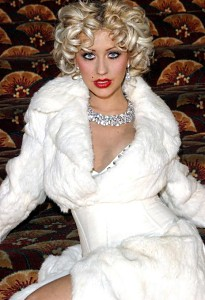 christina_aguilera_looking_hot.jpg