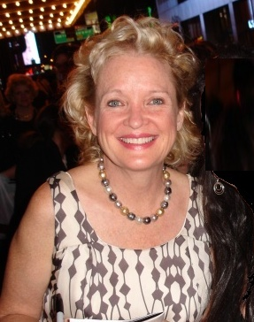 https://static.tvtropes.org/pmwiki/pub/images/christine_ebersole_and_our_new_friend2.jpg