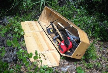 https://static.tvtropes.org/pmwiki/pub/images/coffin_full_of_weapons_in_florida.jpg