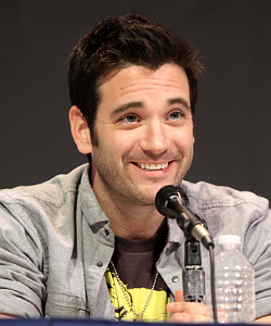 https://static.tvtropes.org/pmwiki/pub/images/colin_donnell_by_gage_skidmore_scaled.jpg