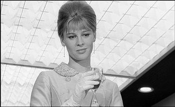 https://static.tvtropes.org/pmwiki/pub/images/darling_julie_christie_1965.jpg