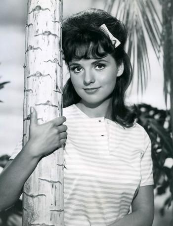 https://static.tvtropes.org/pmwiki/pub/images/dawn_wells_gilligans_island_1964.jpg