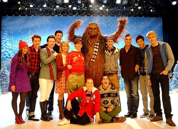 https://static.tvtropes.org/pmwiki/pub/images/detail_of_chewbacca_s_visit_to_glee.jpg