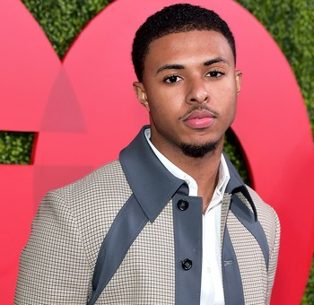 https://static.tvtropes.org/pmwiki/pub/images/diggy_simmons_2018_billboard_1548_compressed.jpg