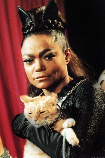 https://static.tvtropes.org/pmwiki/pub/images/eartha_kitt_catwoman.png