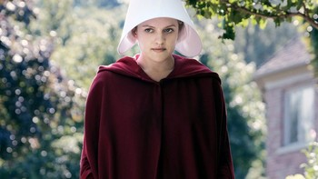 https://static.tvtropes.org/pmwiki/pub/images/elisabeth_moss_the_handmaids_tale_season_2.jpg