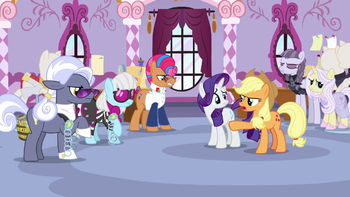 http://static.tvtropes.org/pmwiki/pub/images/everypony_getting_frustrated_at_applejack_s7e9.png