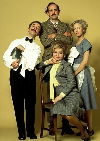 https://static.tvtropes.org/pmwiki/pub/images/fawlty_towers_cast_2.jpg
