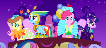 https://static.tvtropes.org/pmwiki/pub/images/five_main_ponies_showing_off_their_outfits_s1e14.png