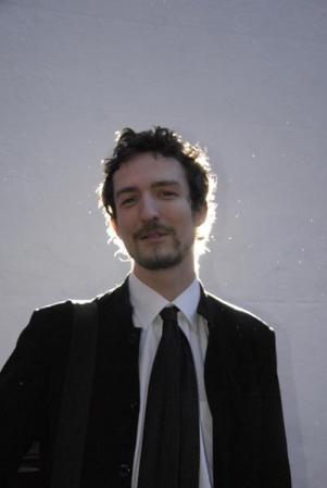 https://static.tvtropes.org/pmwiki/pub/images/frank-turner1_3474.jpg