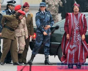 http://static.tvtropes.org/pmwiki/pub/images/gaddafi_female_bodyguards_350_9733.jpg