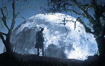 https://static.tvtropes.org/pmwiki/pub/images/gigantic_moon.png
