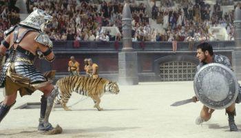 https://static.tvtropes.org/pmwiki/pub/images/gladiator_awesome.jpg