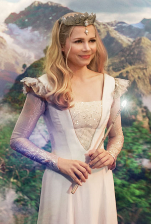 https://static.tvtropes.org/pmwiki/pub/images/glinda_oz_the_great_and_powerful_33844168_425_628.png