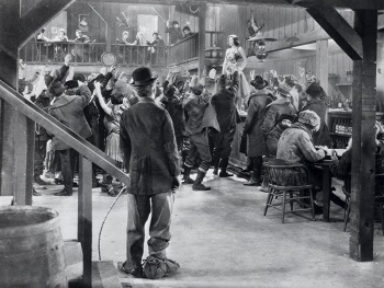 a brief analysis of charlie chaplins the gold rush In 1922, after eight years of playing his baggy trousered tramp, charlie chaplin  declared his vagabond days were over he embarked upon a.