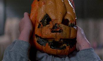 https://static.tvtropes.org/pmwiki/pub/images/halloween_3_nightmare_fuel_3.jpg