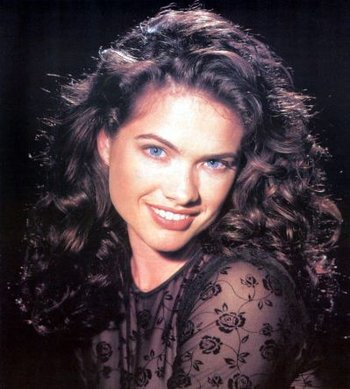 https://static.tvtropes.org/pmwiki/pub/images/heather_langenkamp.jpg
