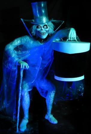 http://static.tvtropes.org/pmwiki/pub/images/hm_hatchboxghost121514_hauntedmansion_fanart10_352x500.jpg